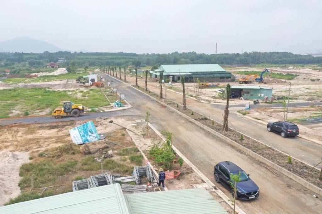 Hệ thống đường xá đang hoàn thiện tại dự án Gold City
